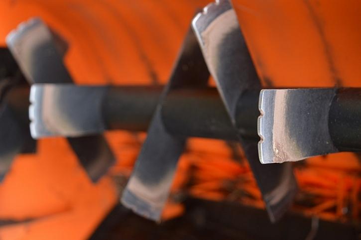 Detail vertikutačního nože