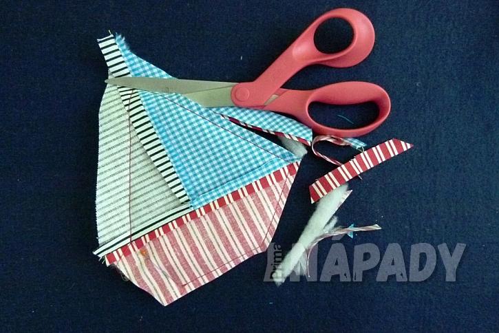 Jak stylově zabránit ubrusu v poletování: Lodičky pro zahradní stolování 10