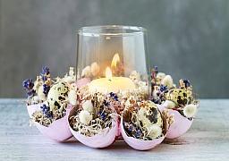 Ze zbylých skořápek si můžete vytvořit velikonoční věnec