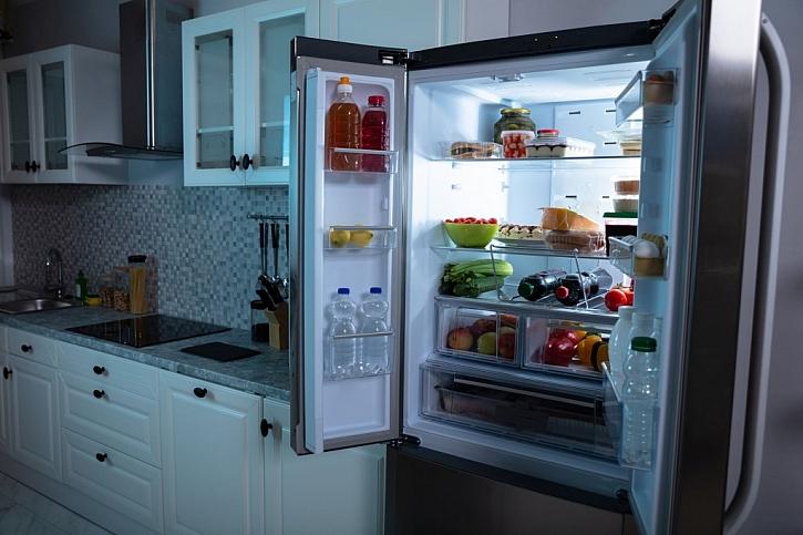 Lednice s mrazákem nabídne dostatek úložného místa pro naše potraviny