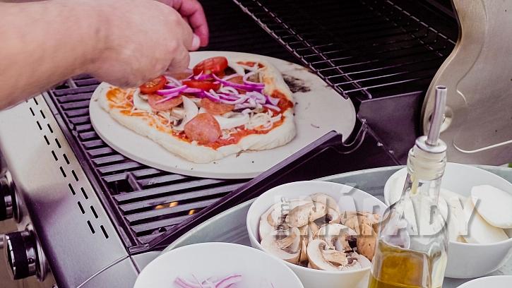 Grilovaná pizza