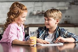 Digitální detox u dětí: Nepodceňujte ochranu zraku a ulevte dětským očím