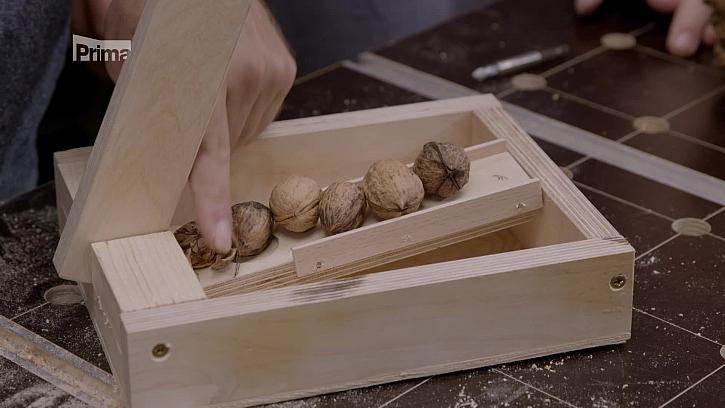 Víte, jak vyrobit louskáček na ořechy? (Zdroj: Louskáček)