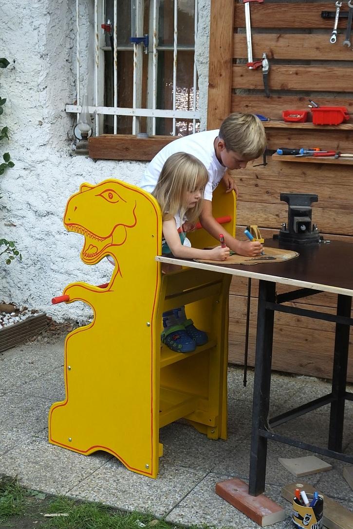 učící věž dinosaurus