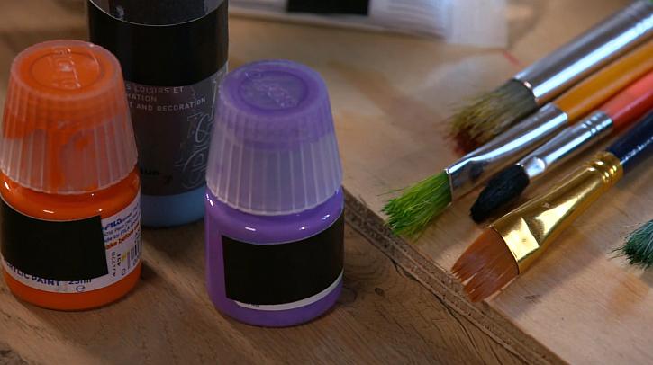 Barvy v lahvičce