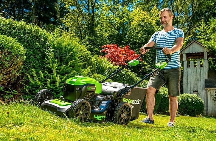 AKU zahradní technika – vsaďte na ticho (Zdroj: Mountfield)