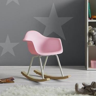 V křesílku nebo na pohodlné židli se bude báječně odpočívat, v pozdějším věku třeba i s napínavou knížkou