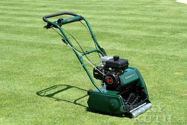 Motorové hrábě ze sekačky na trávu