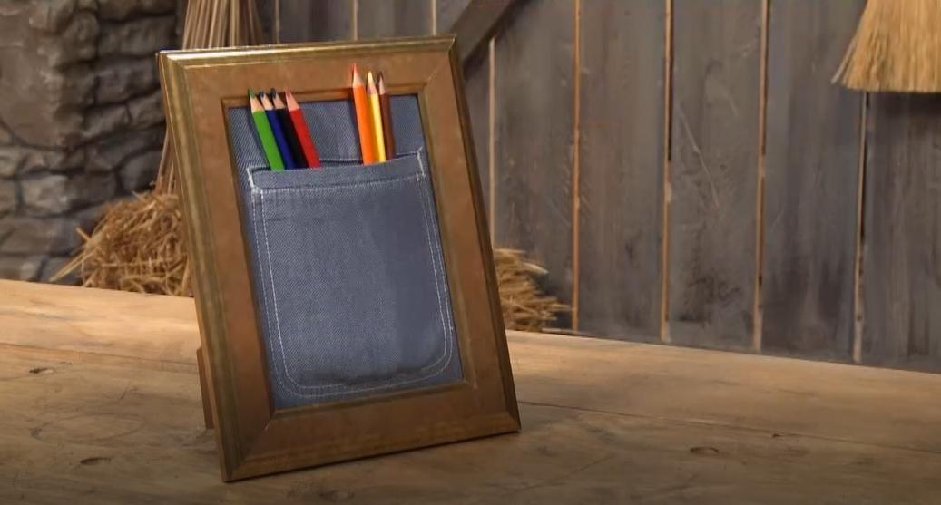Stojánek na tužky z kapsičky staré pánské košile