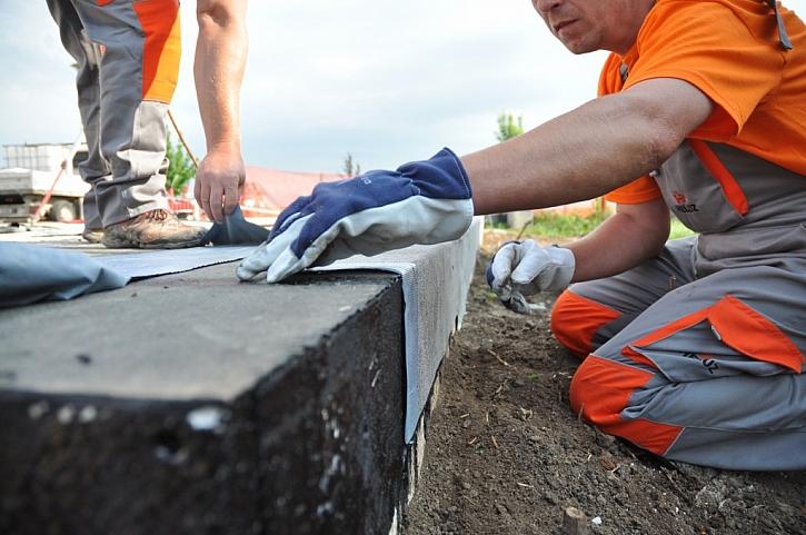 Ochrana paty zdiva hydroizolací
