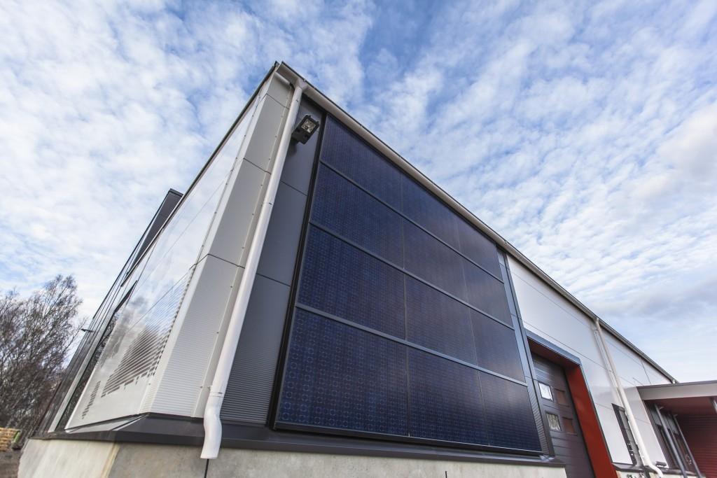 Systém fasádních fotovoltaických panelů