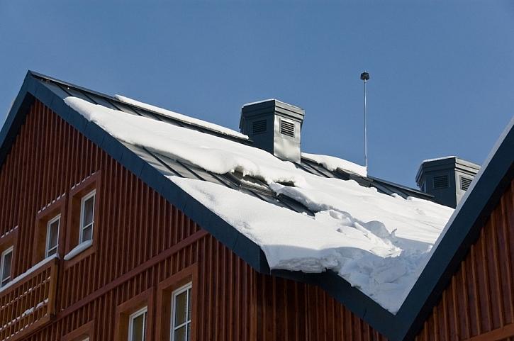 Bezpečná střecha a její snadná kontrola v zimě i v horku