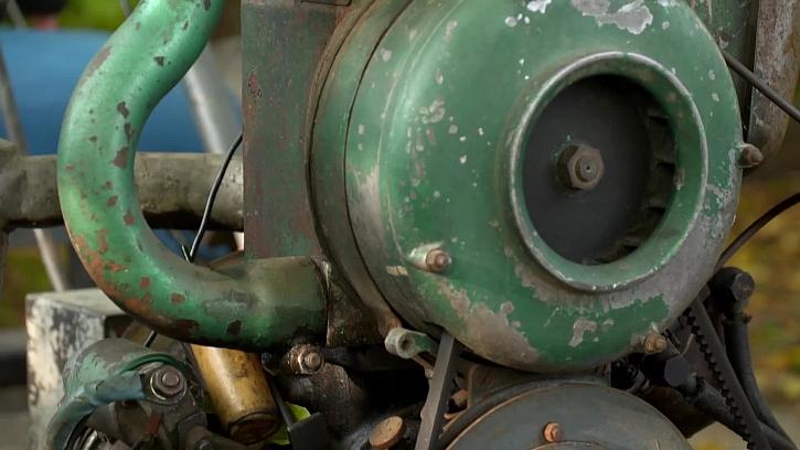 Motor starého traktoru