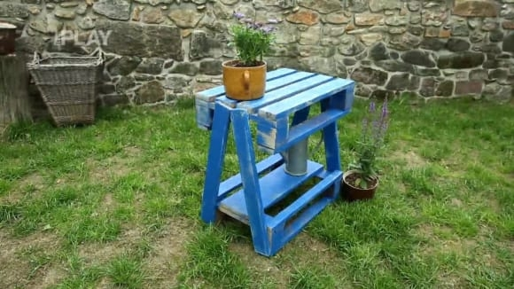 Jak vyrobit zahradní stolek z palet