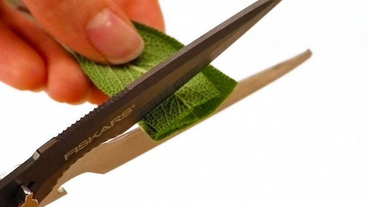 Šikovné víceúčelové nůžky Cuts+More