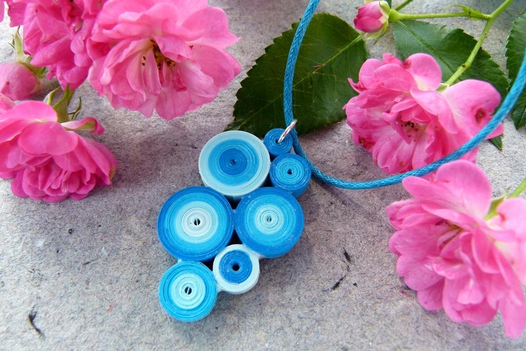 Jak vyrobit letní šperk z proužků papíru: Tak trochu jiný quilling