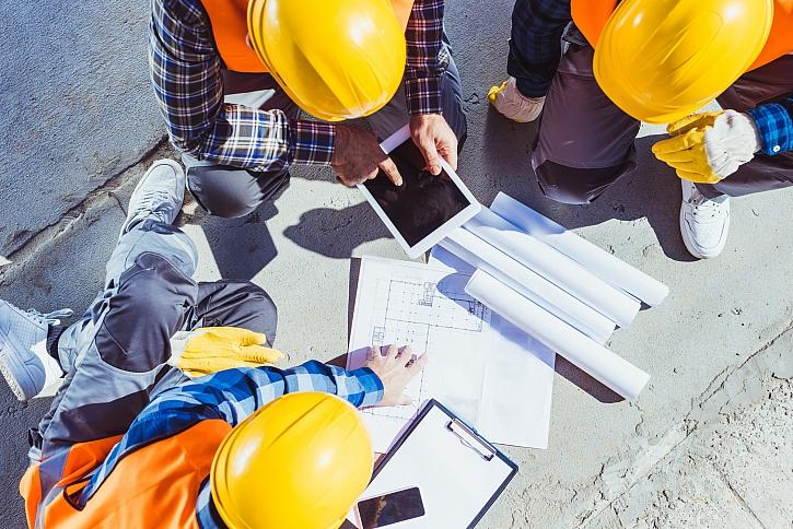 Plány a stavba