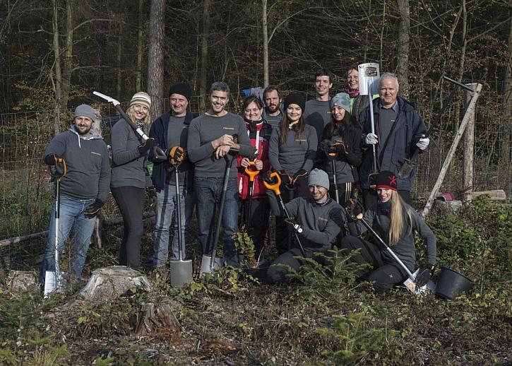 Fiskars oslavil 370. výročí sázením stromků (Zdroj: Fiskars)
