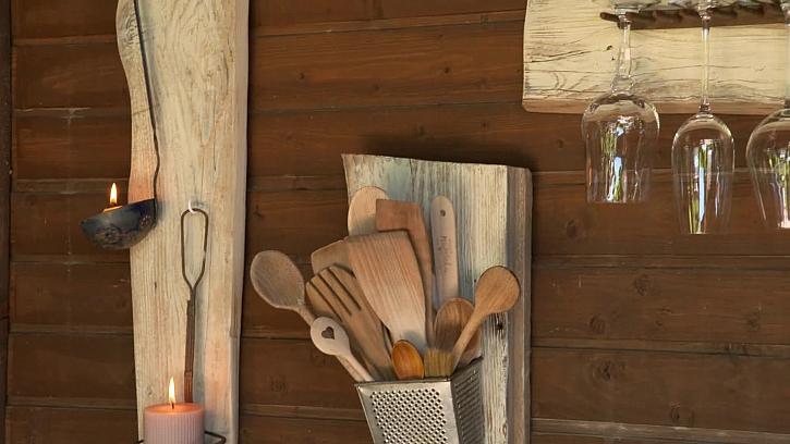 Vyrobte si držák na sklenice nebo utěrku ze starého harampádí
