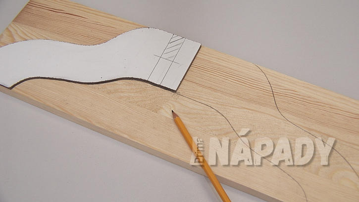 DIY stojan na stromek: připravíme si přesnou tvarovou šablonku