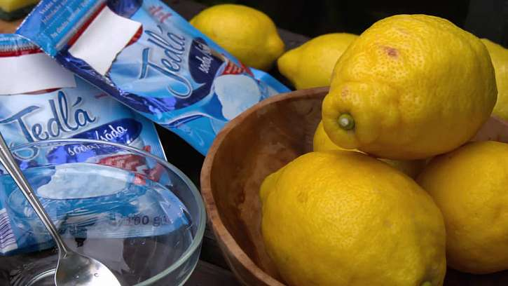 Jedlá soda a citron
