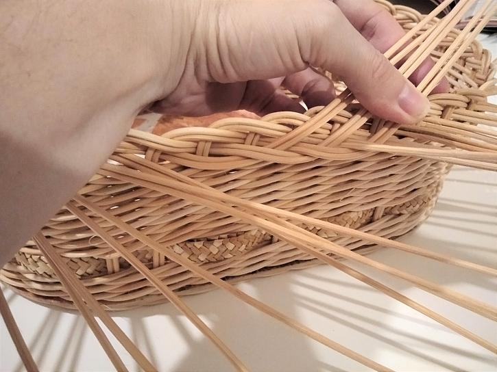 Pletení prutů v závěrce