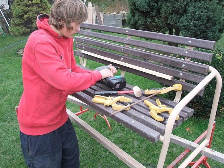 Renovace lavičky