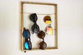 Věšák na brýle z rámu na obraz