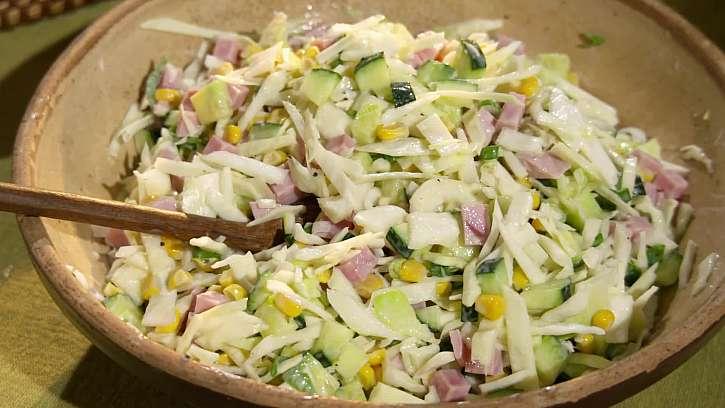 Letní pochoutka na zahradu: Labužnický salátek