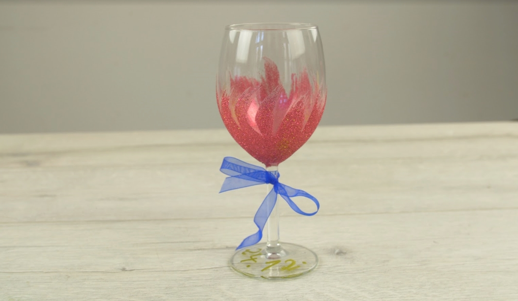 Slavnostní sklenice na víno pro štědrovečerní přípitek