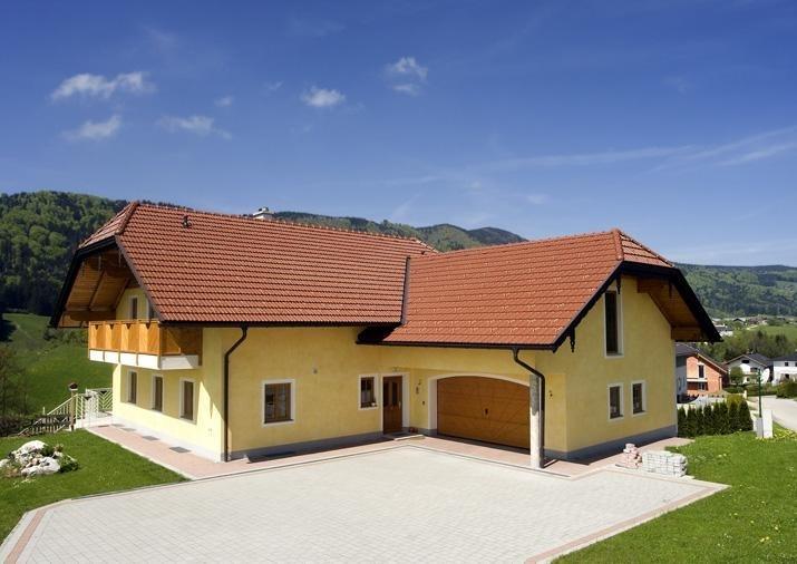 Tipy pro výběr střechy a střešní krytiny: jedničkou je pálená taška