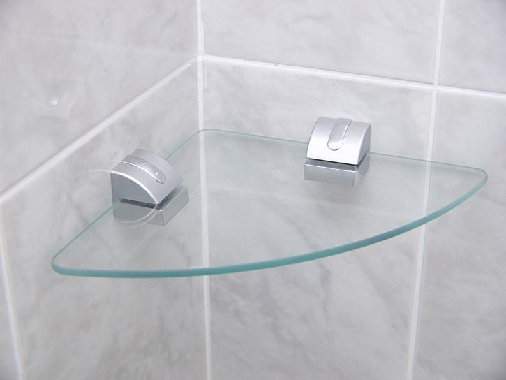 Koupelnové poličky