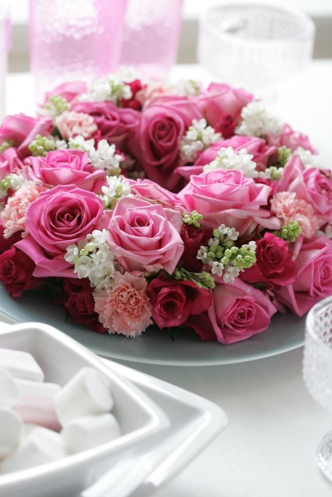 Věnec plný růží