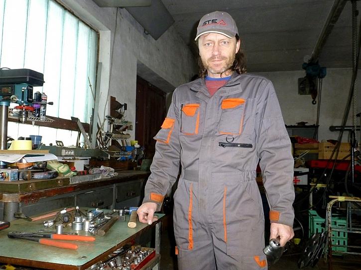 Práce v dílně a na zahradě - nejen profík, ale i kutil potřebuje pracovní oděv
