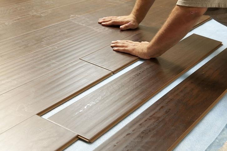 Montáž plovoucí podlahy je poměrně jednoduchá záležitost