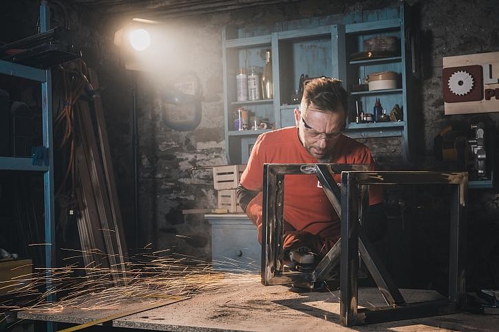 Libovka, kterou si zamilujete: industriální židle