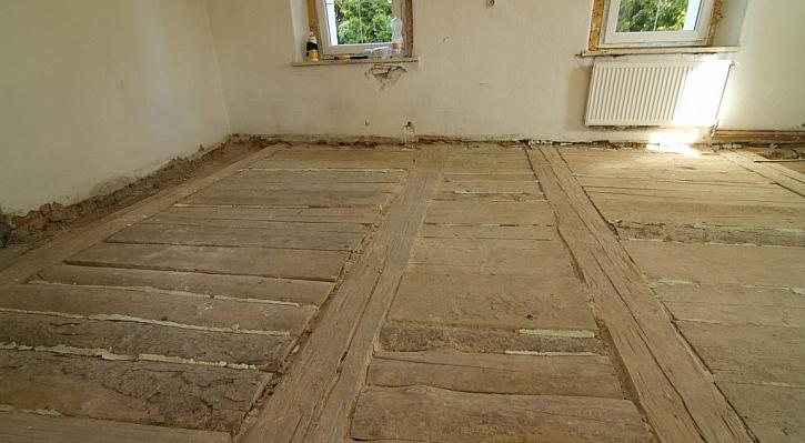 Podlaha po očištění