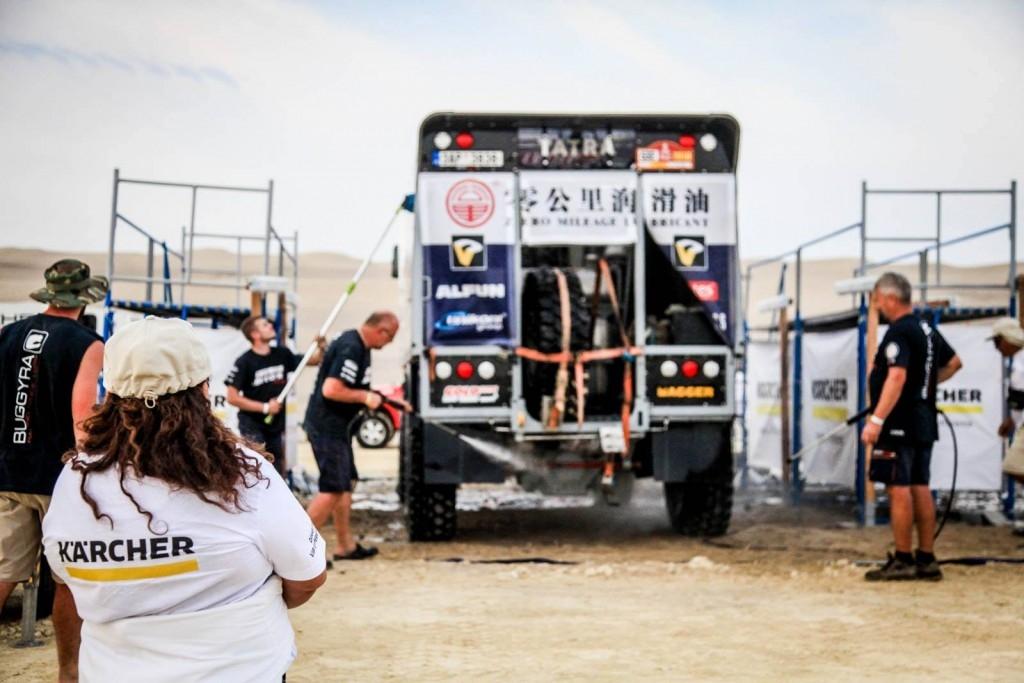 Jak umýt auto (nejen) na Dakaru