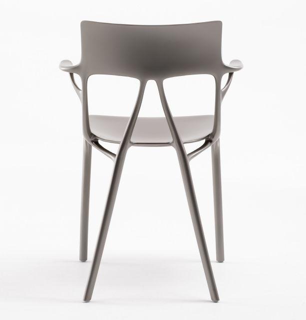 Slavný francouzský designér navrhl první židli pomocí umělé inteligence (Zdroj: Autodesk)