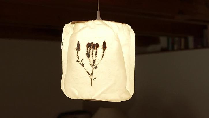 Vyrobte si letní lampion z průhledného papíru