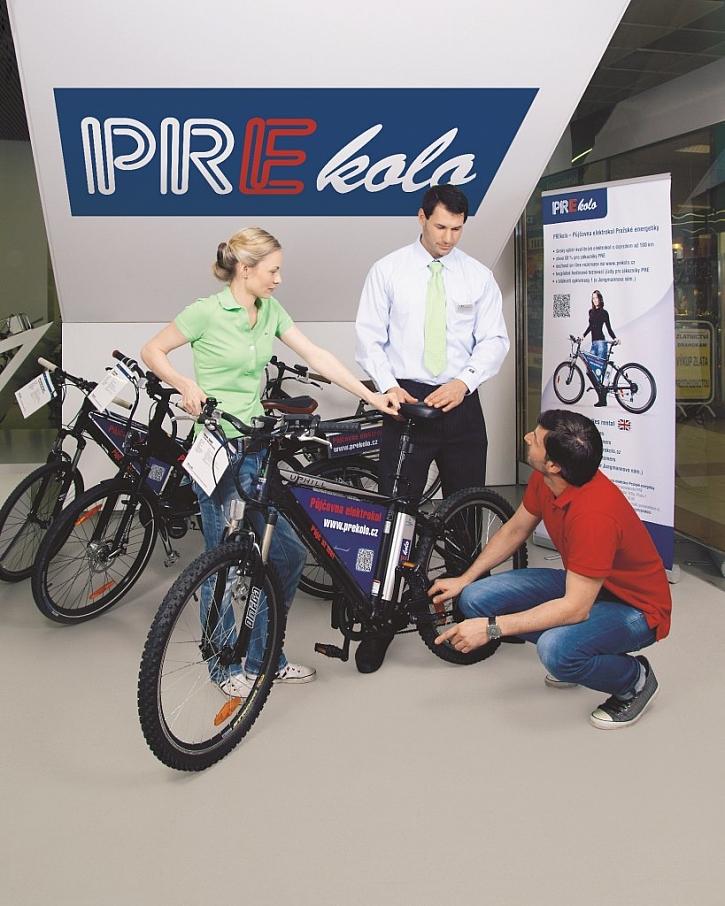 Půjčovna elektrokol Pražské energetiky zahájila novou sezónu