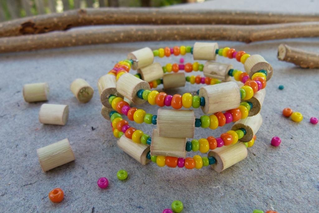 Náramek s korálky z proutků aneb Vyrobte si materiál sami