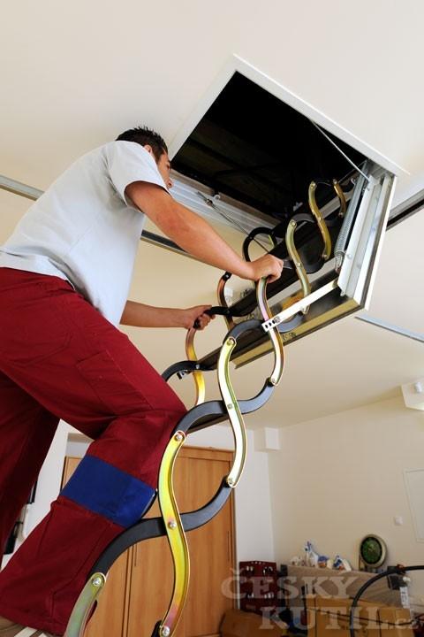 Vlastní montáž stahovacích schodů
