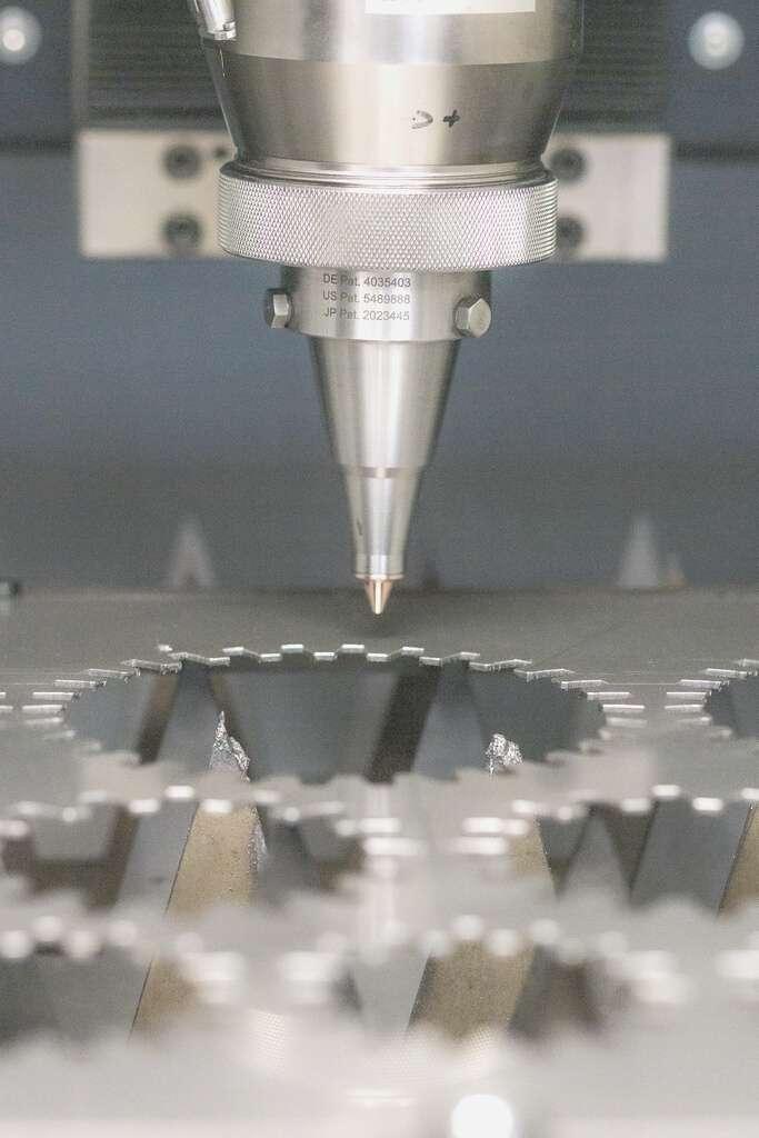 Laserová řezačka