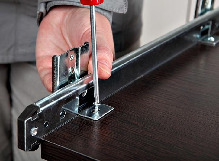 Šroubováky využijete například při sestavování nábytku