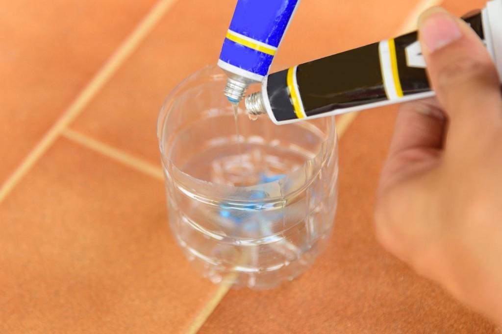 Kovy můžete slepit i v domácích podmínkách