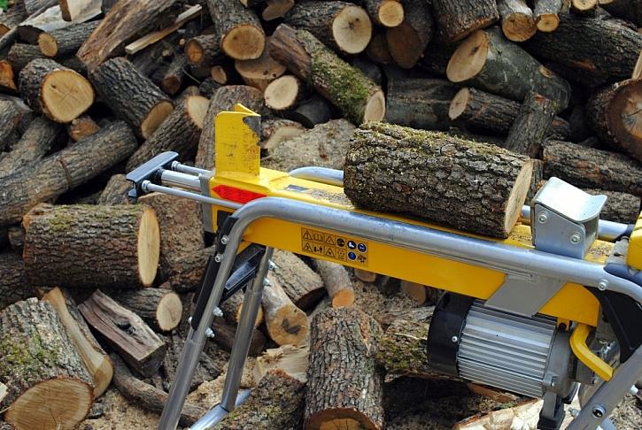Štípačky na dřevo vám ulehčí práci i čas