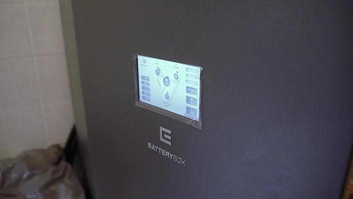 Battery systém a fotovoltaika? Co to je? Pojďte se podívat, co o tom Pepa zjistil.