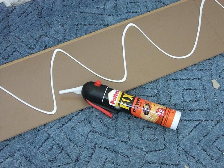 Pattex Power Fix - připevnění obkladu bez šroubů