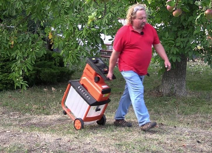 Štěpkovač Power Silent 2800 pomůže s úklidem zahrady